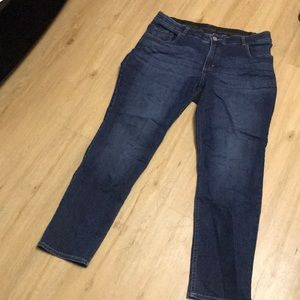 Plus size Lee Riders jeans size 18w. Straight leg.